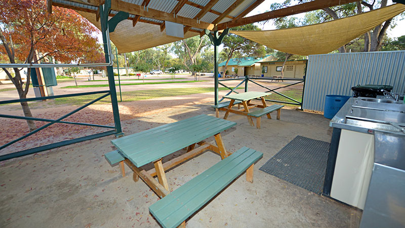 Riverbend Caravan Park - Renmark photo 79
